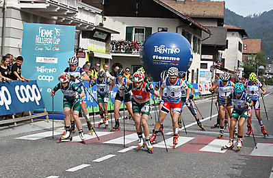 partenza_Mass Start_Juniores F_CdM skiroll_Ziano di Fiemme_14_09_2019_1